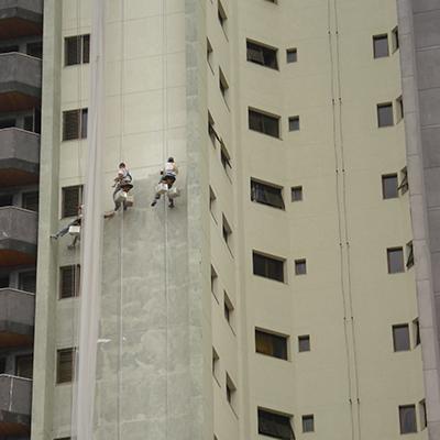 prédio com serviço de graffiato realizado
